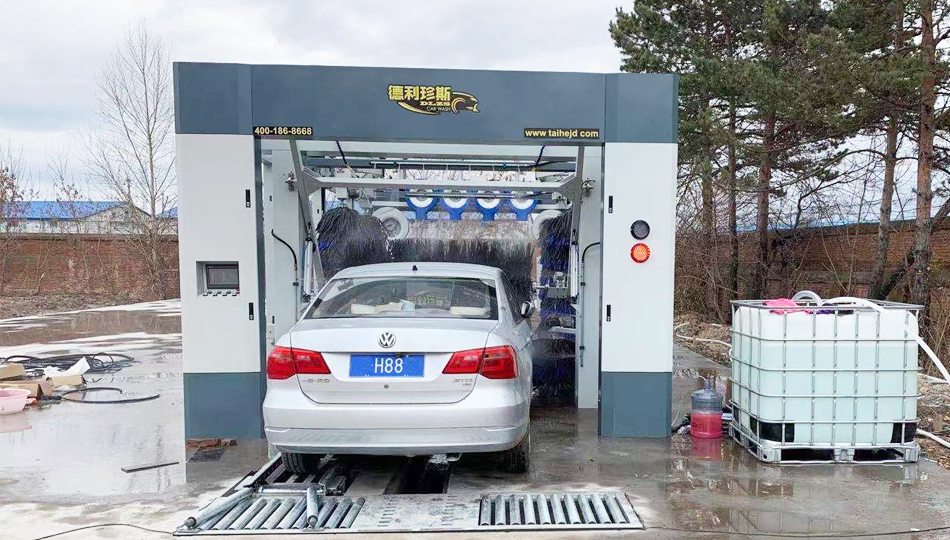 黑龙江森工石油加油站安装德利珍斯隧道洗车机